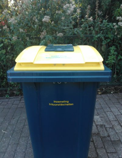 Container verpakt frituurvet voorzijde